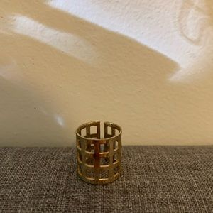 GORGEOUS GOLD CAGED RING!